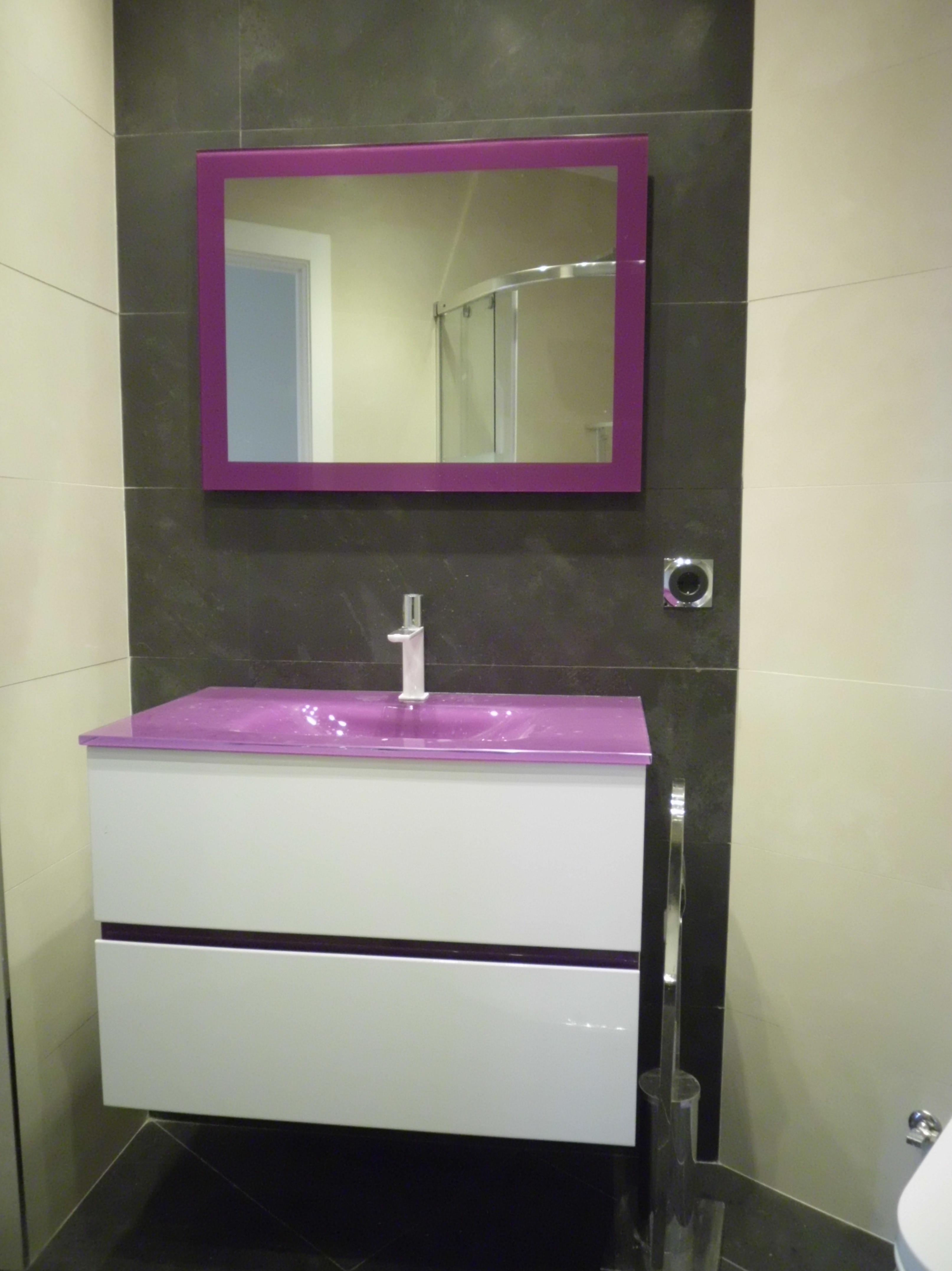 Reforma integral de de alta calidad de un piso \u002D muebles de baño