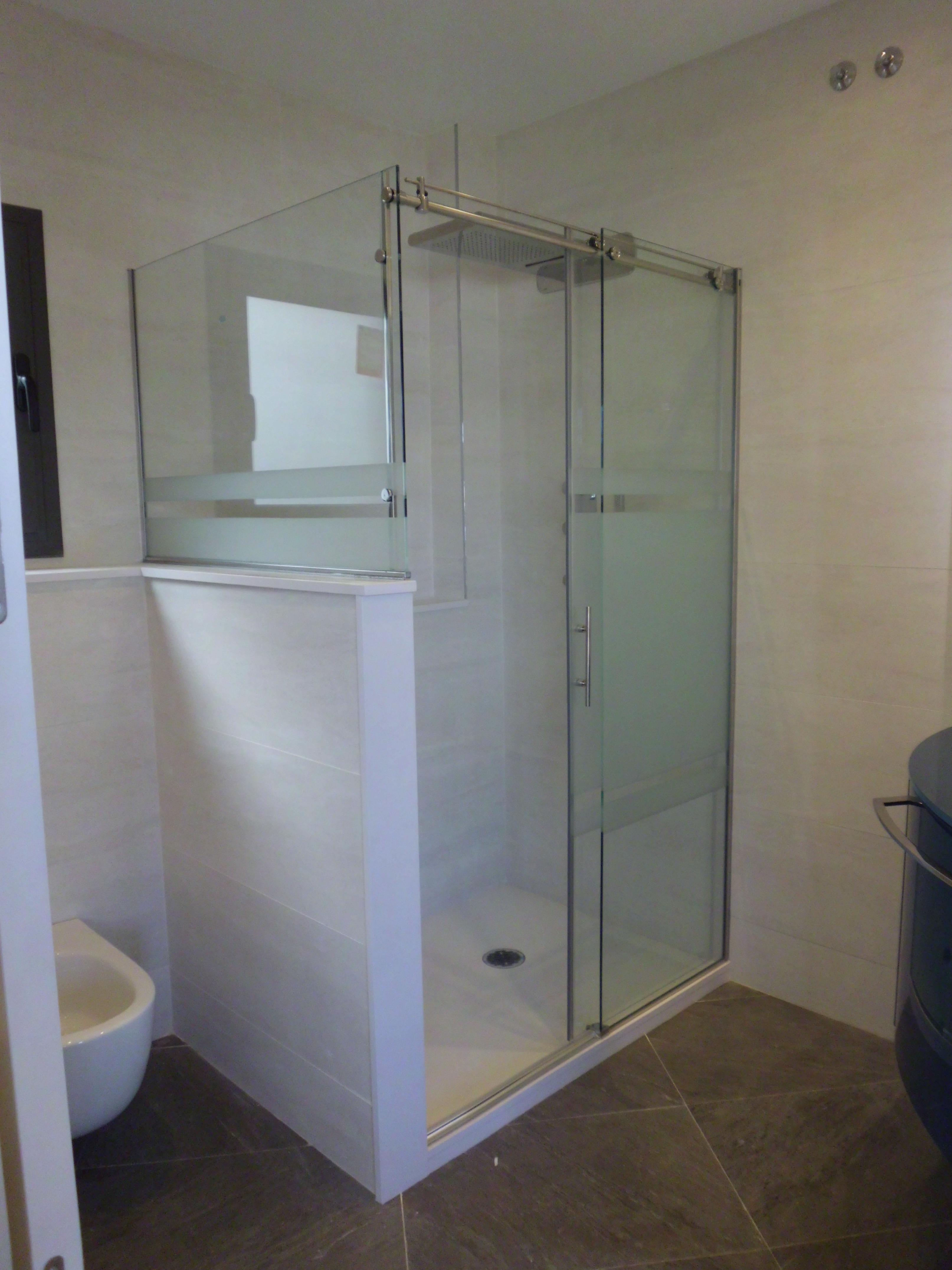 Reforma integral de de alta calidad de un piso \u002D Mampara