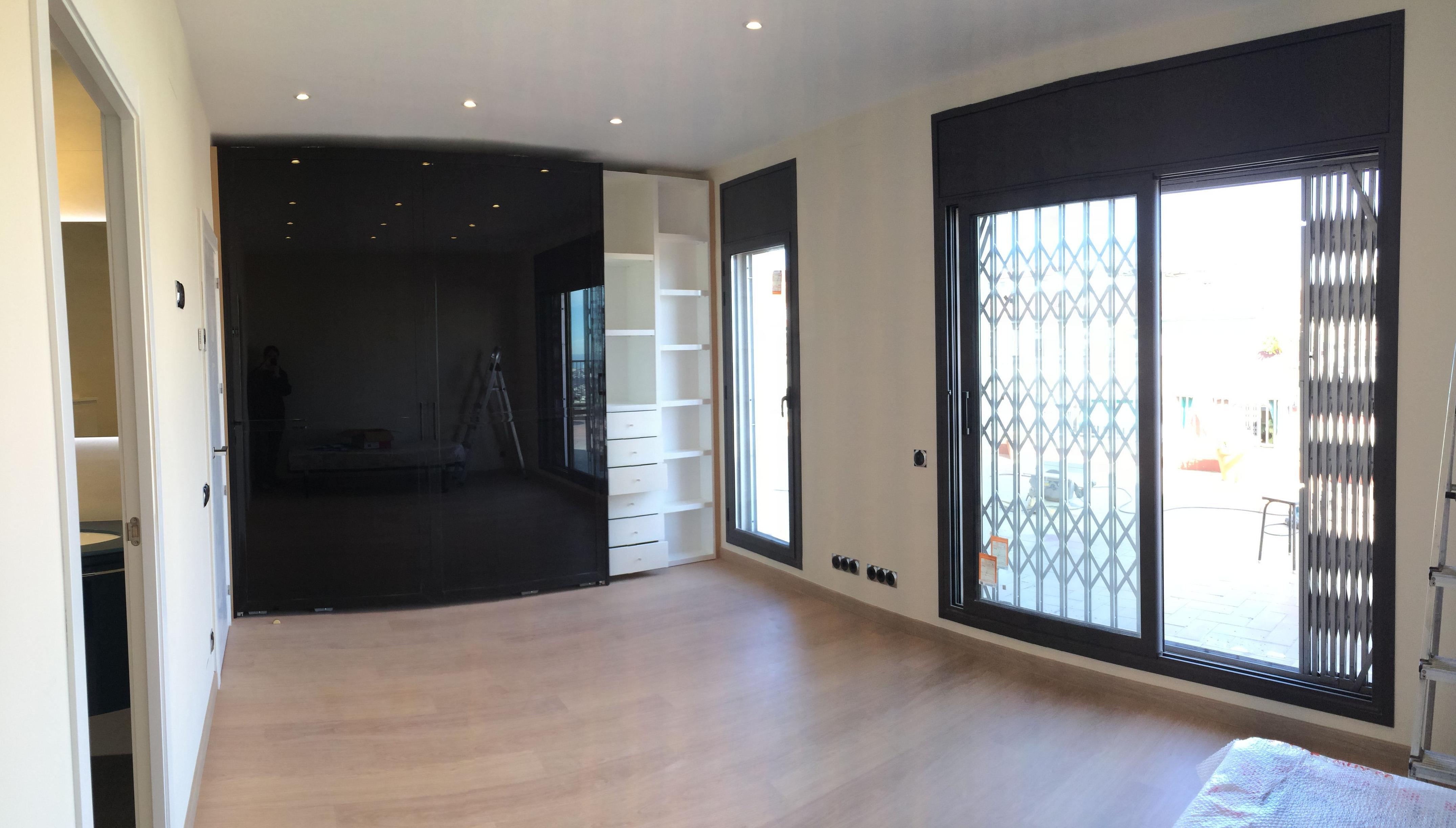 Reforma integral de de alta calidad de un piso \u002D Carpintería de aluminio