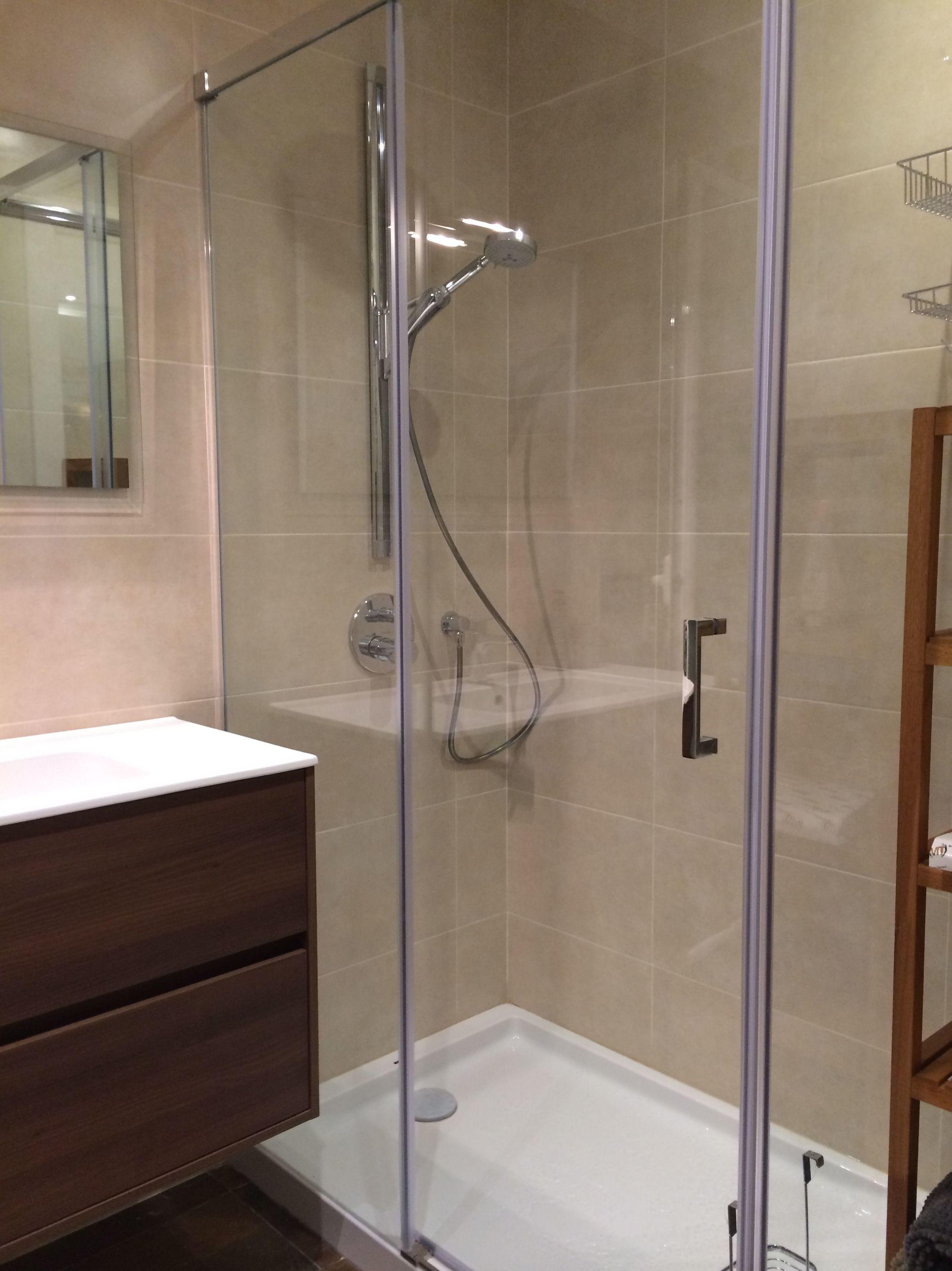 Reforma integral de calidad vivienda \u002D Baño sistema de ducha I (C/Felip II)