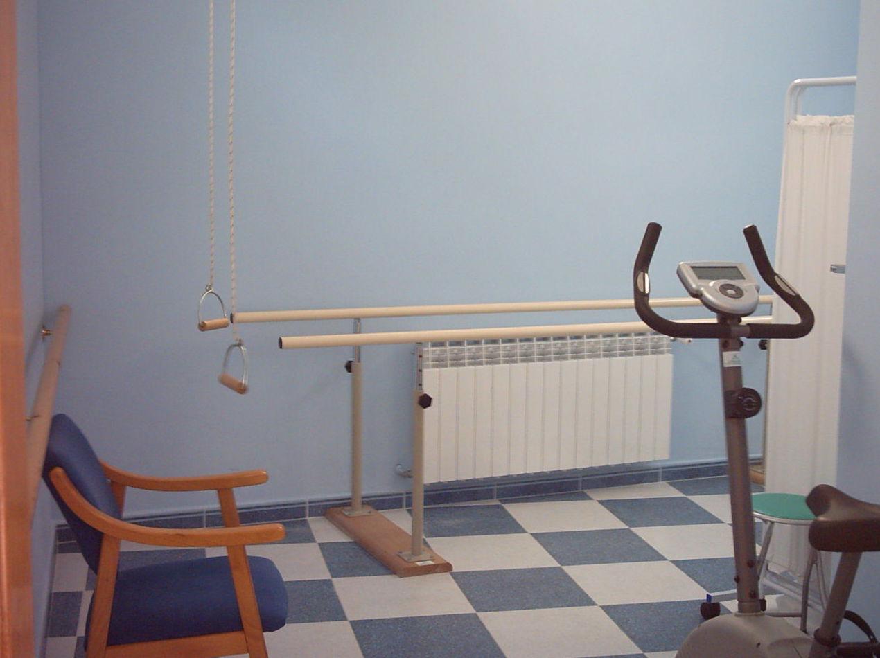 Fisioterapia y rehabilitación: Servicios de Residencia para Personas Mayores Santa Ana