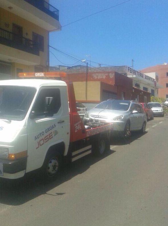 Foto 42 de Grúas para vehículos en El Sauzal | Auto Grúas Jose