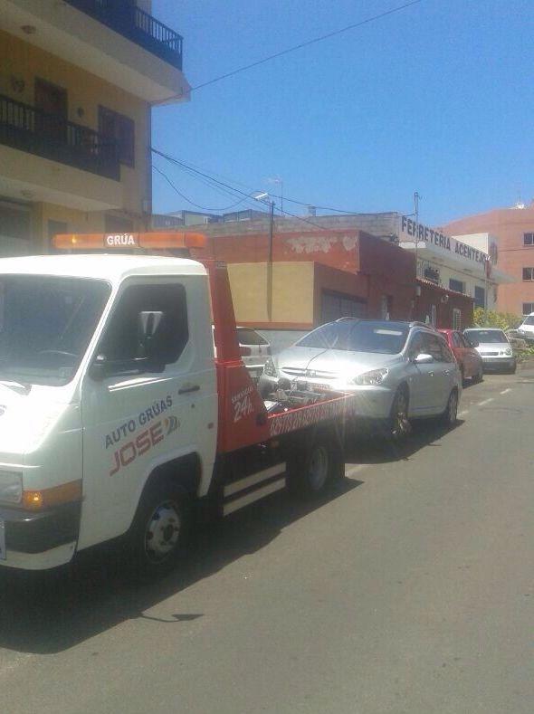 Foto 51 de Grúas para vehículos en El Sauzal | Auto Grúas Jose