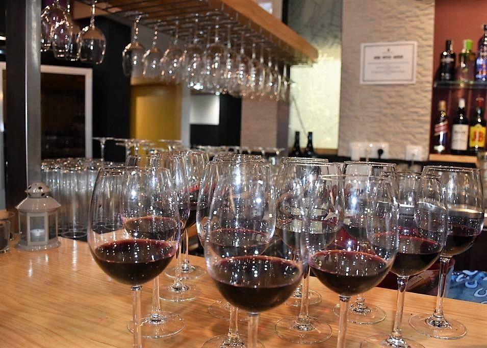 Saborea un buen vino
