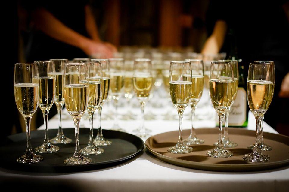 Celebraciones: Carta de Restaurante La Taurina