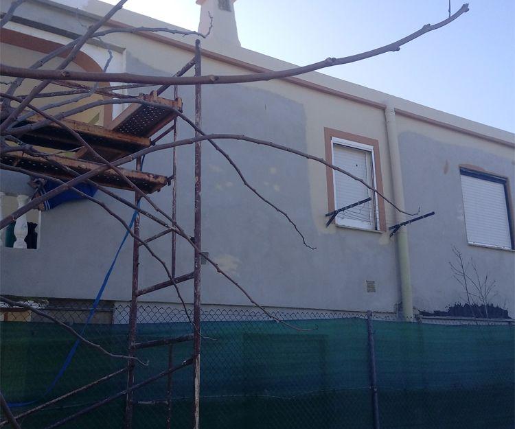 Trabajos de impermeabilización de fachada en Tavernes de la Valldigna