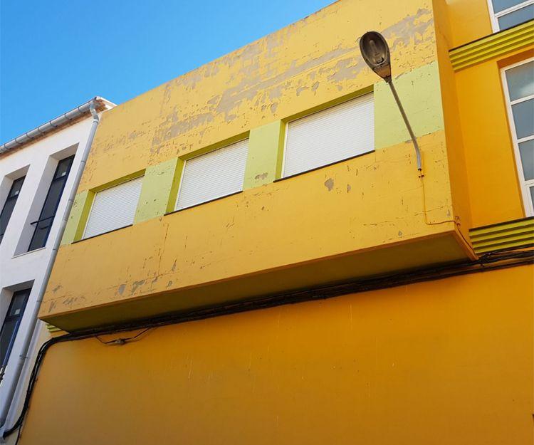 Pintura de fachadas en Tavernes de la Valldigna