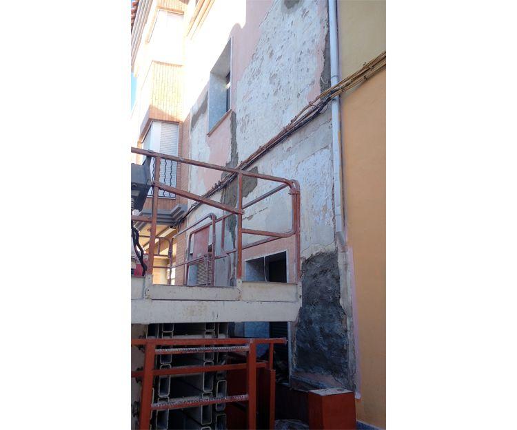 Trabajos de reforma de fachadas en Tavernes de la Valldigna