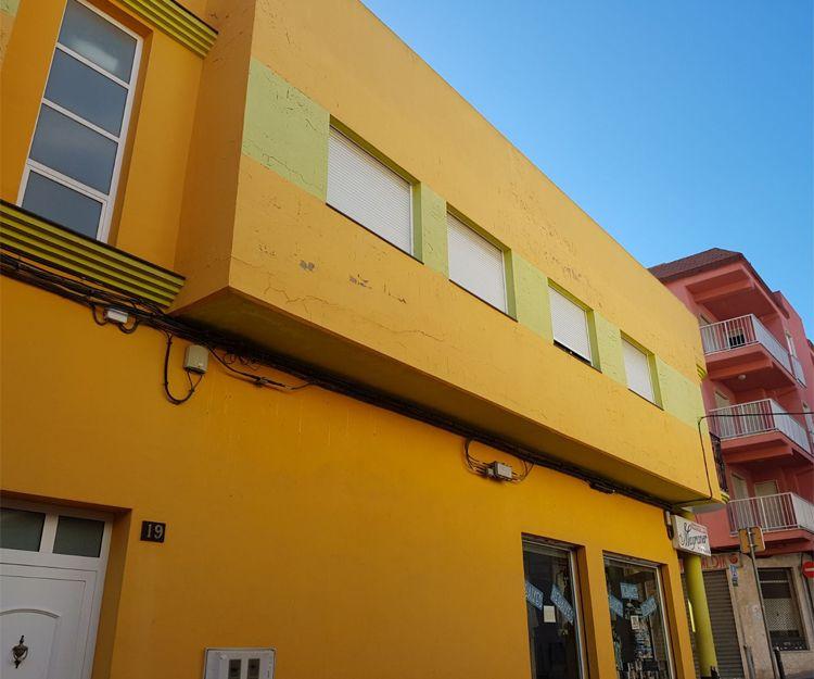 Profesional en trabajos de pintura exterior en Tavernes de la Valldigna
