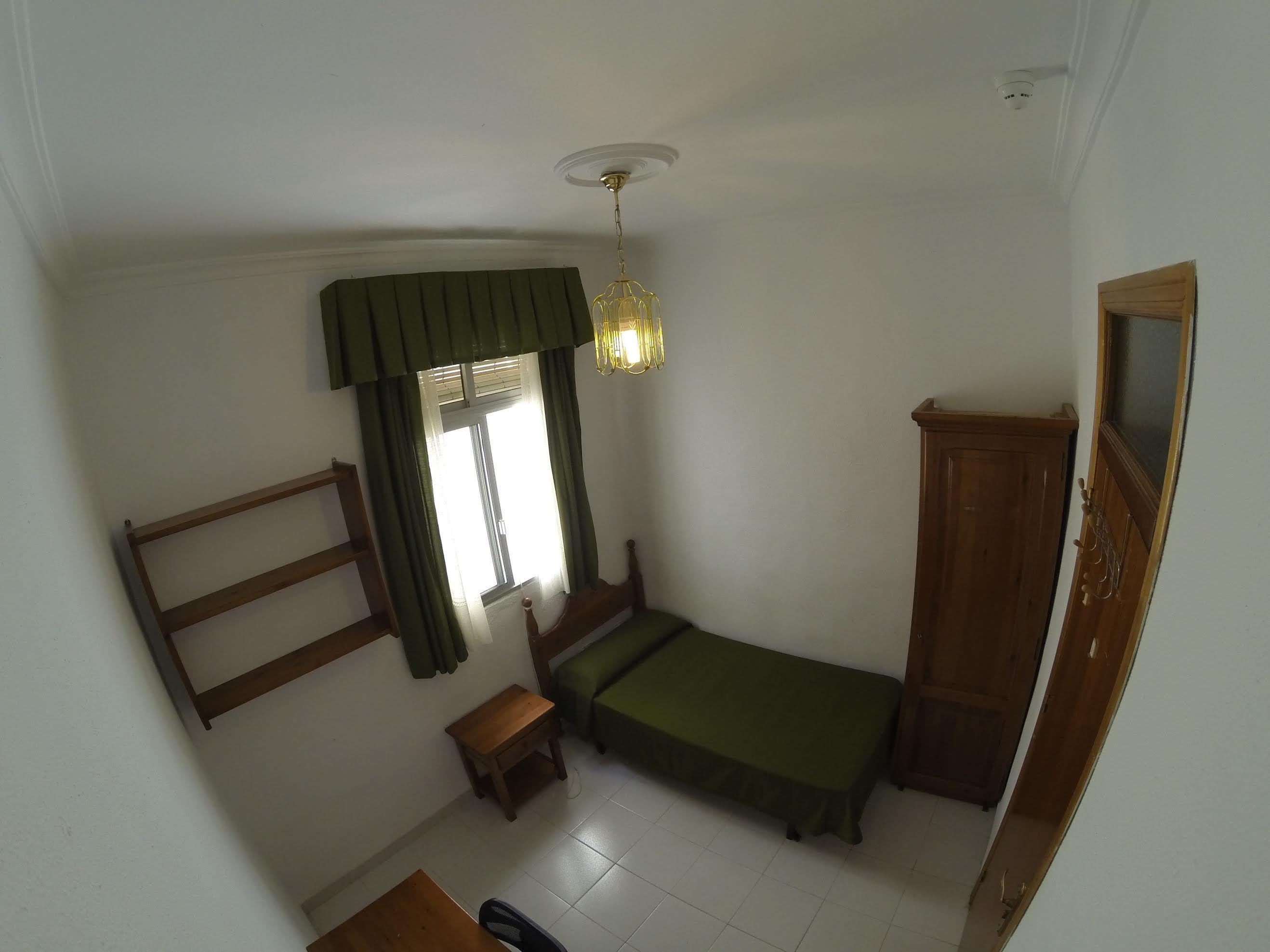 Habitaciones: Servicios de Residencia de Estudiantes Uno de Julio
