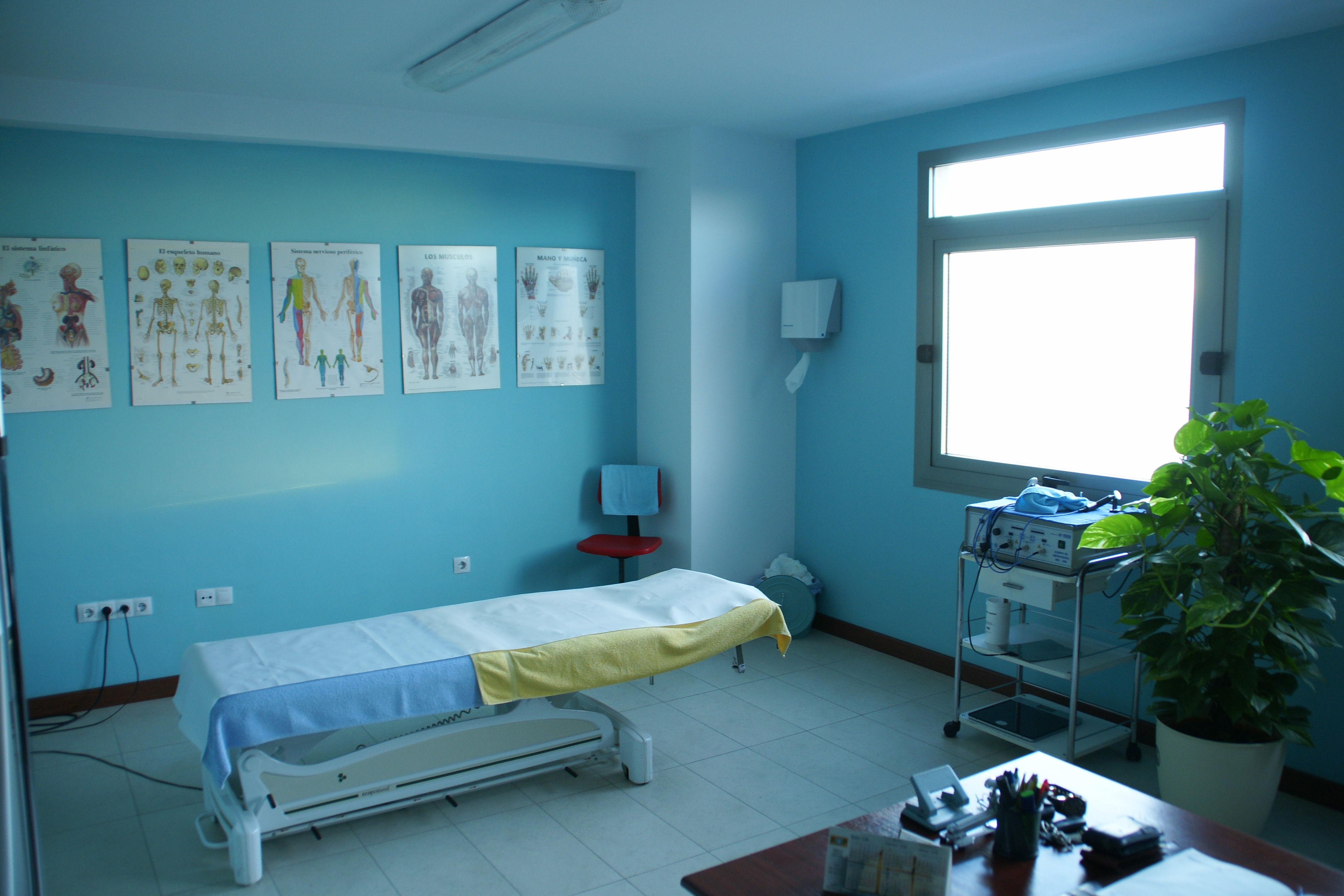 Foto 4 de Osteopatía en Arrecife | CEOST- Centro Parasanitario de Terapias Alternativas
