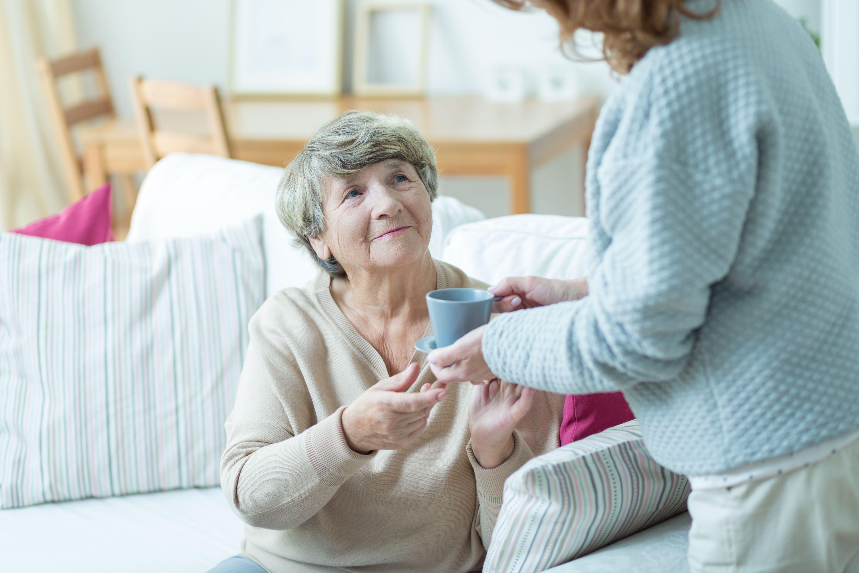 Cuidado de ancianos a domicilio en Barcelona