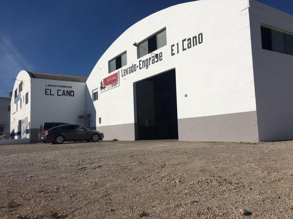 Foto 7 de Transporte de mercancías en Alzira | Lavado y engrase El Cano