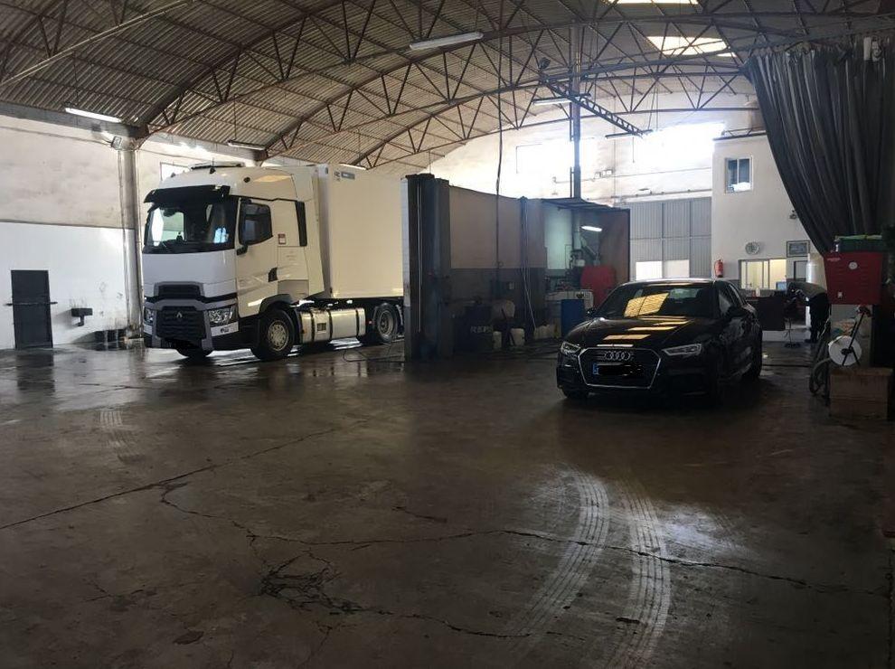 Foto 6 de Transporte de mercancías en Alzira | Lavado y engrase El Cano