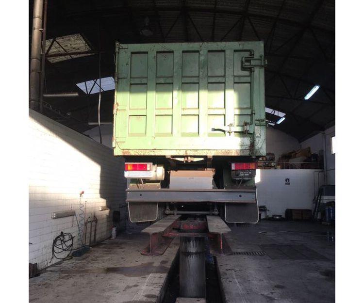 Lavadero de camiones en Alzira