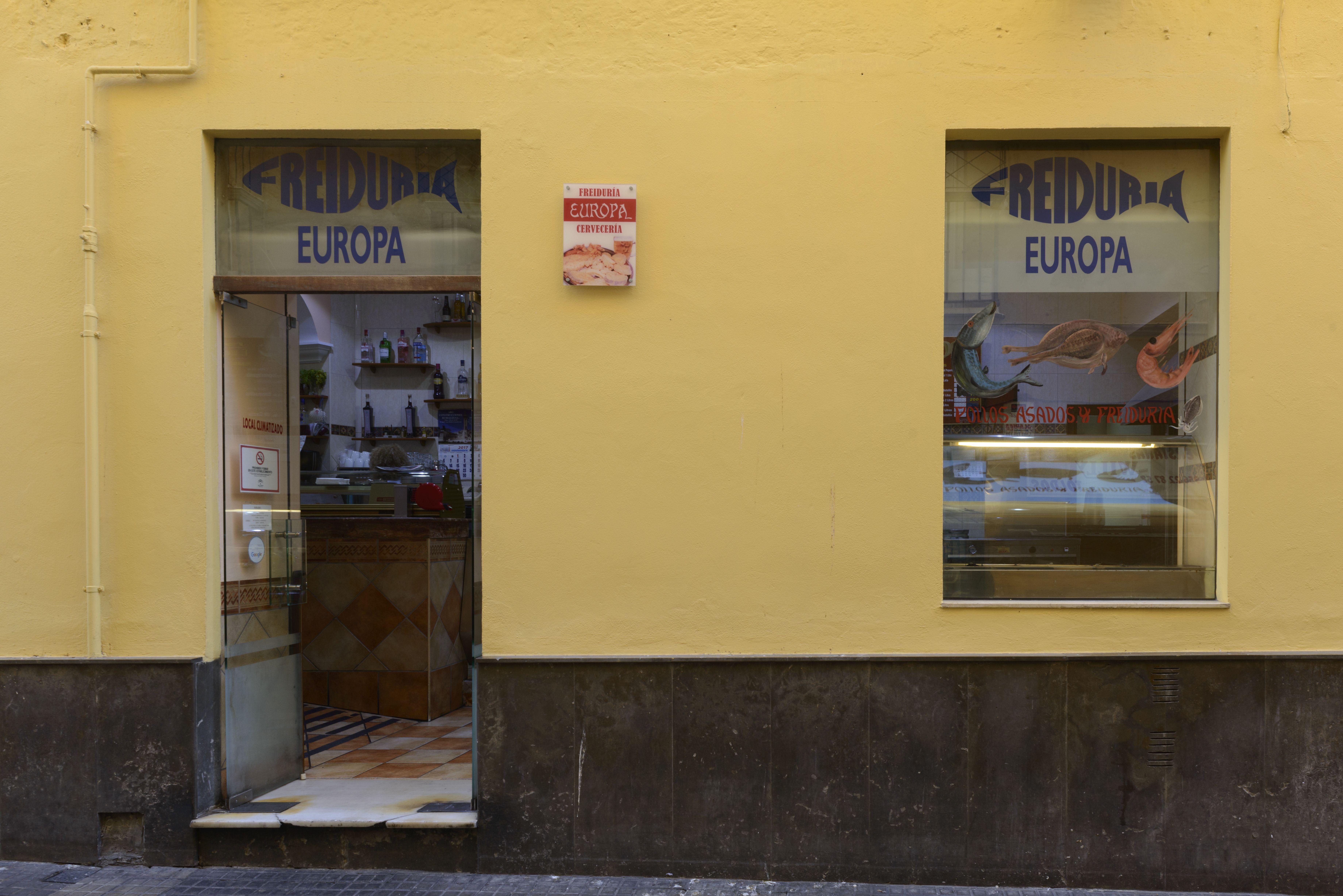 Foto 1 de Freidurías en Cádiz | Freiduría y Cervecería Europa