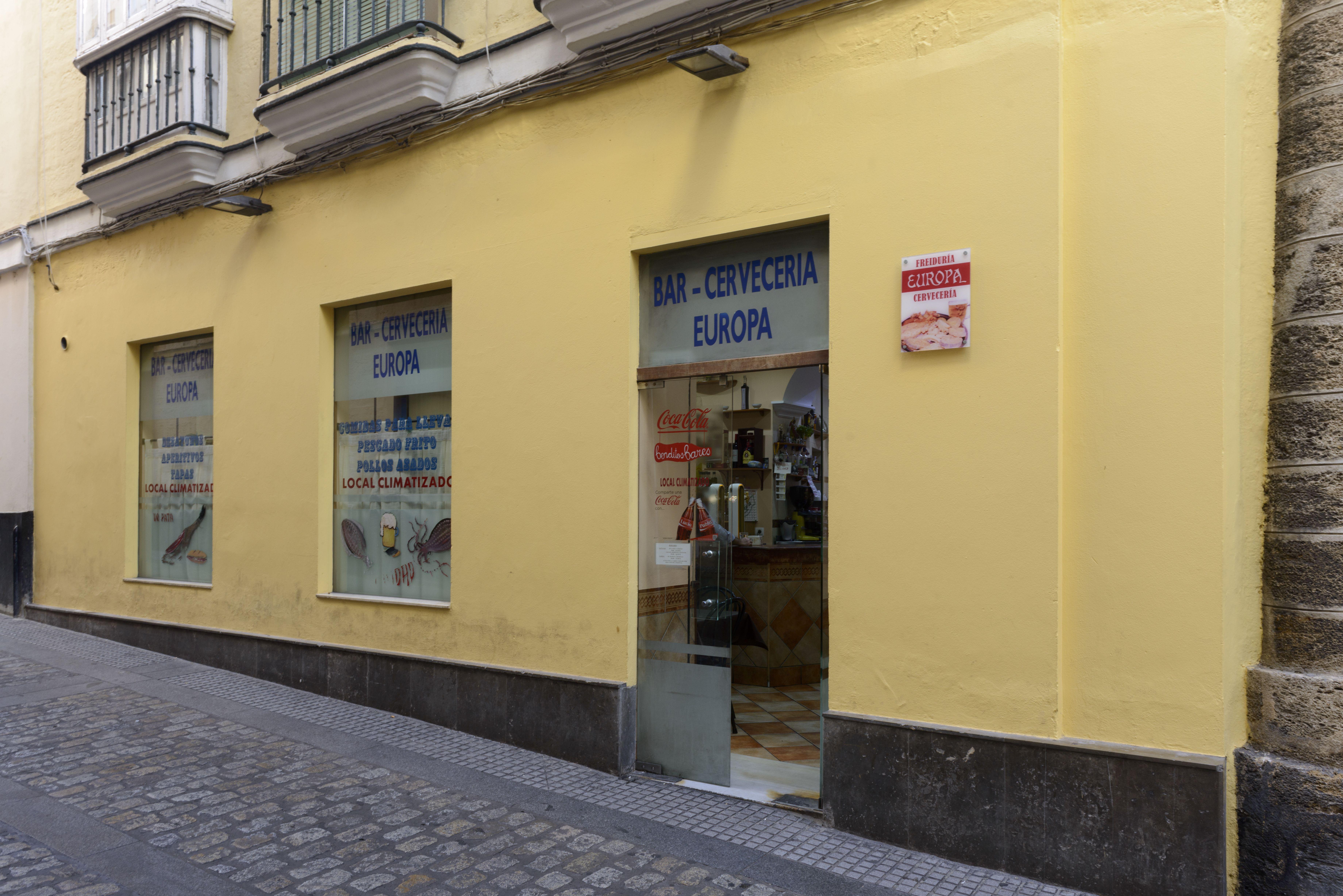 Foto 2 de Freidurías en Cádiz | Freiduría y Cervecería Europa