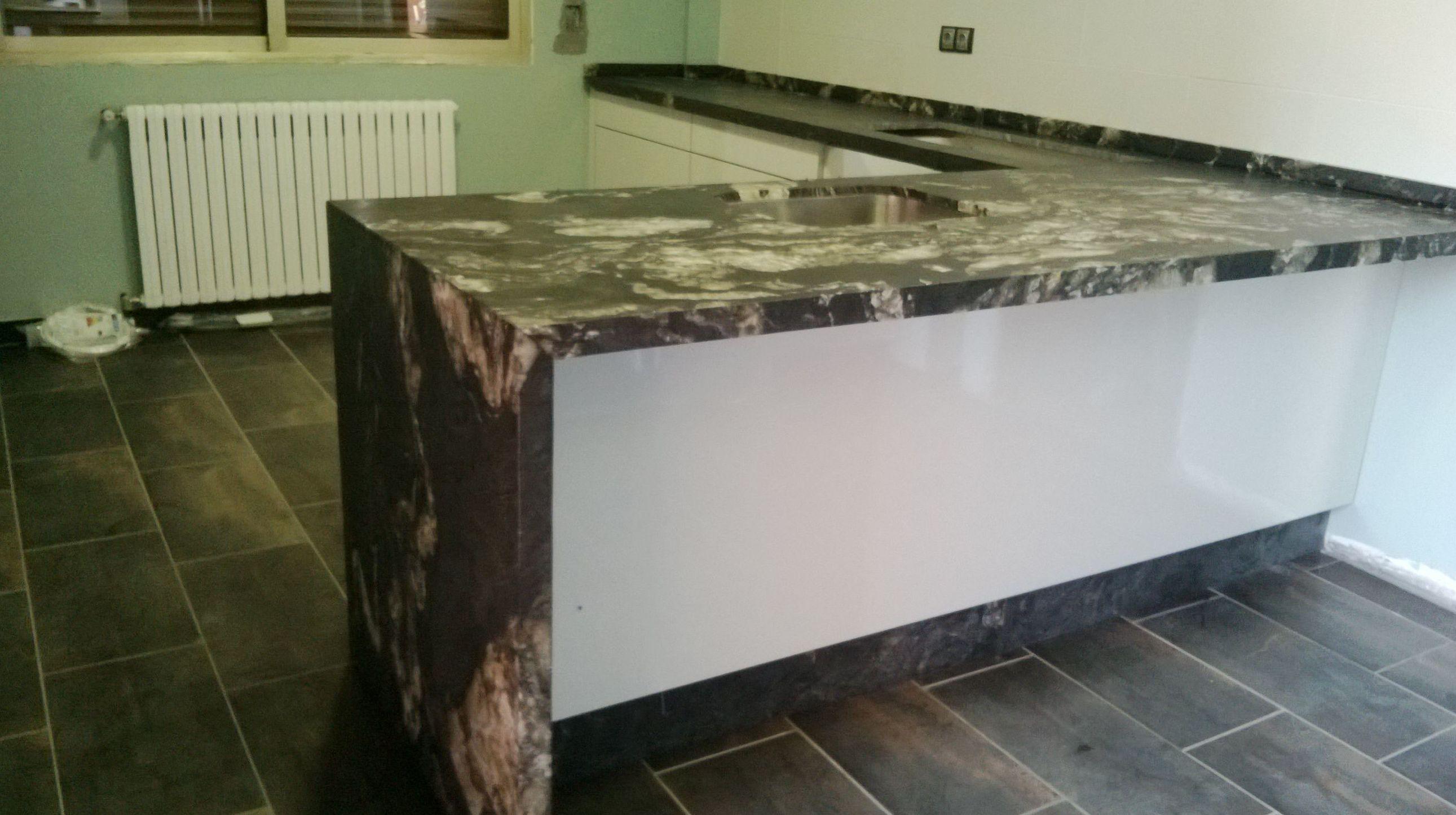 Cambia tu encimera de cocina por una de granito cuarzo o - Precio granito cocina ...