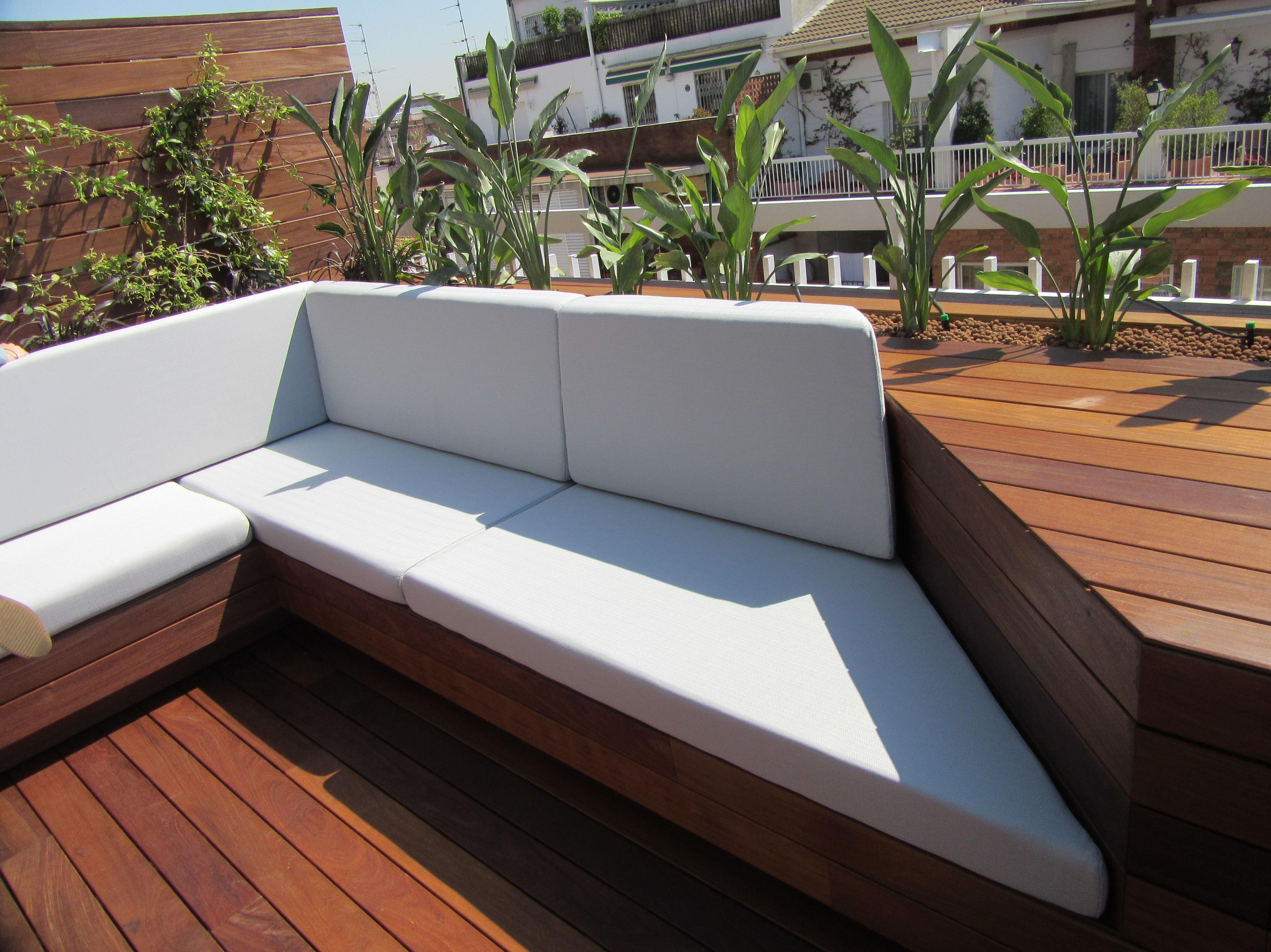 Confecci n de sof s y cojines de exterior servicios de for Cojines para sofas exterior