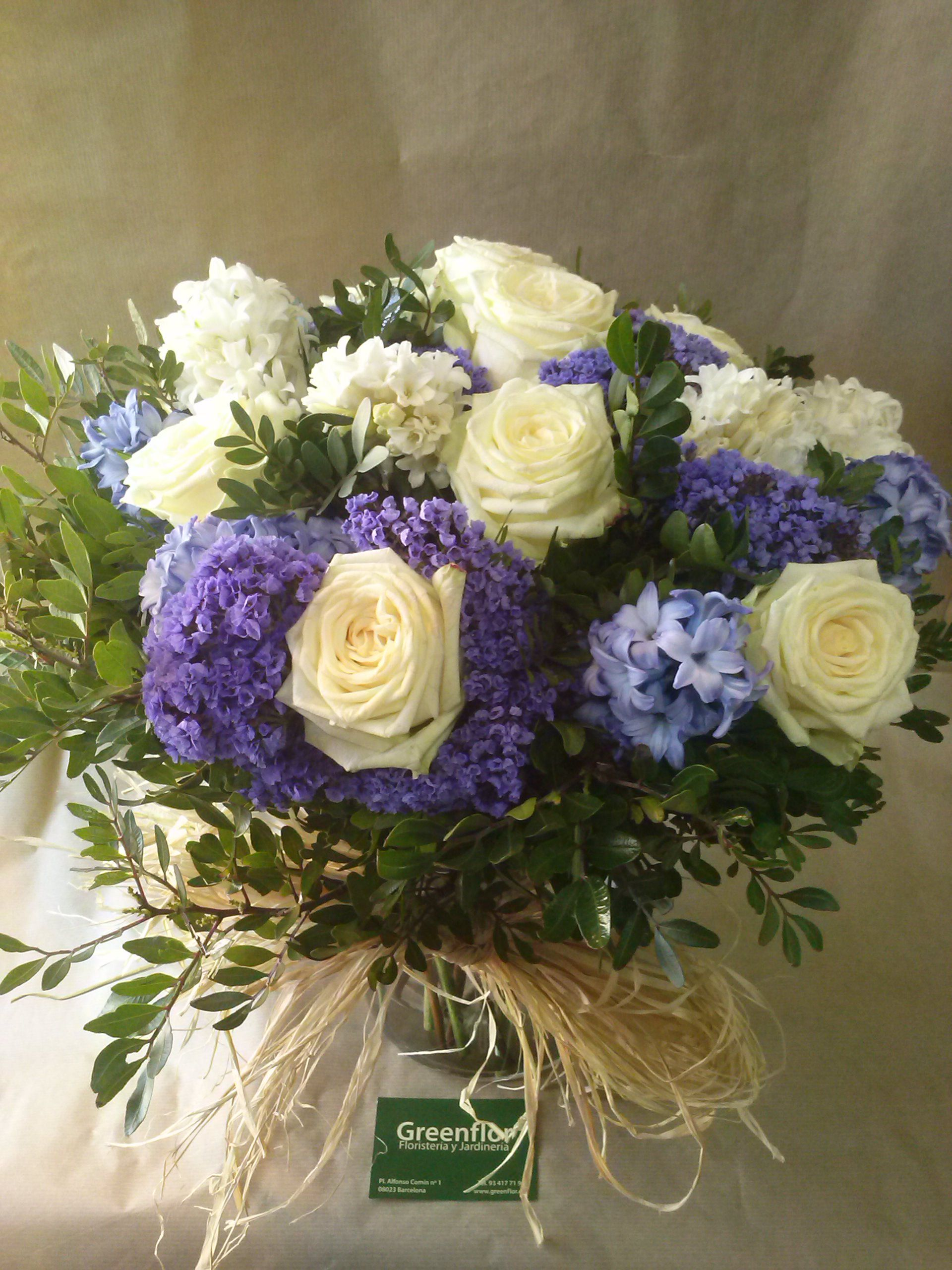 Bouquet de flor azul y blanco productos y servicios de for Jardineria a domicilio barcelona