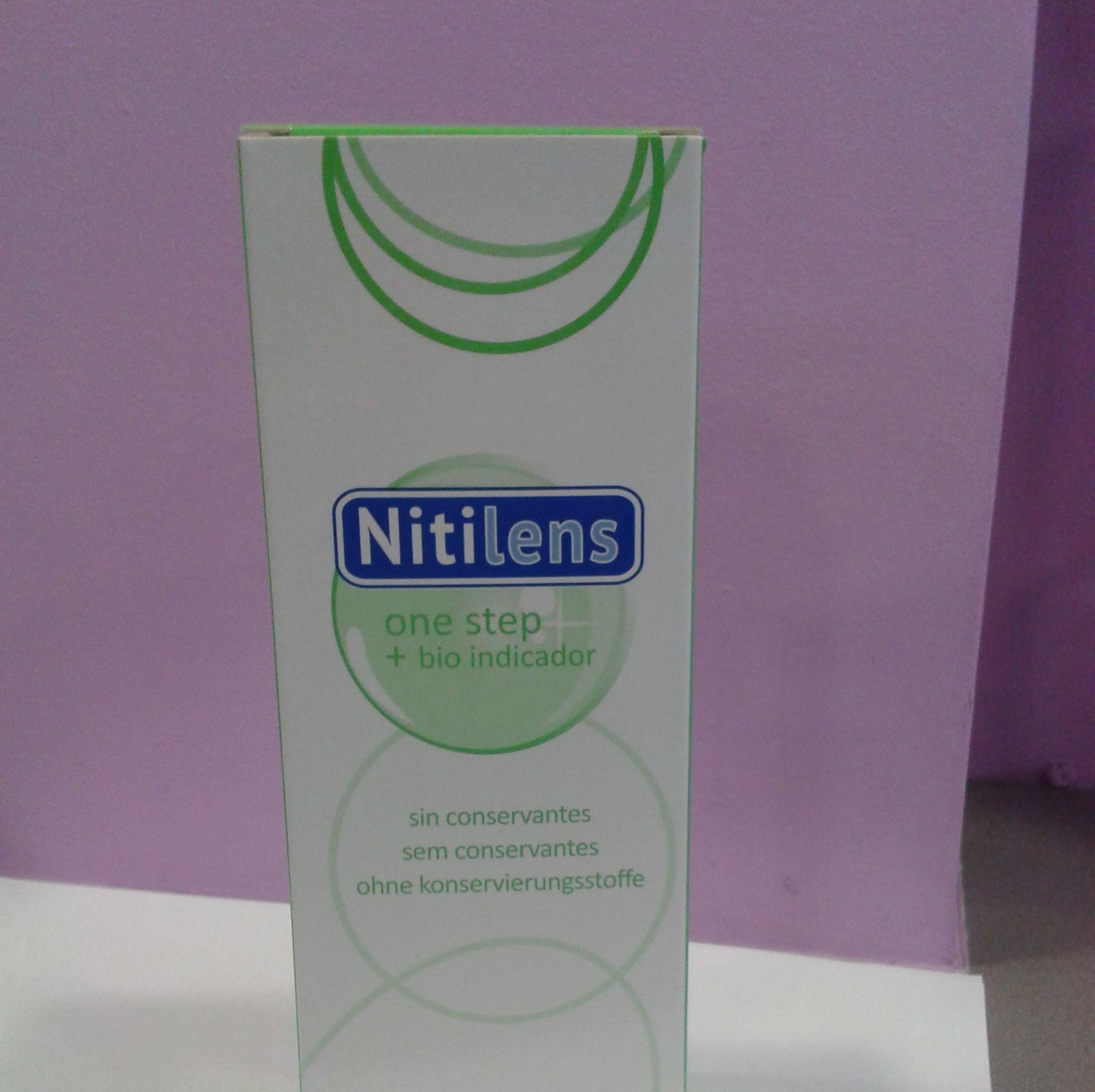Líquido para limpieza de lentes de contacto