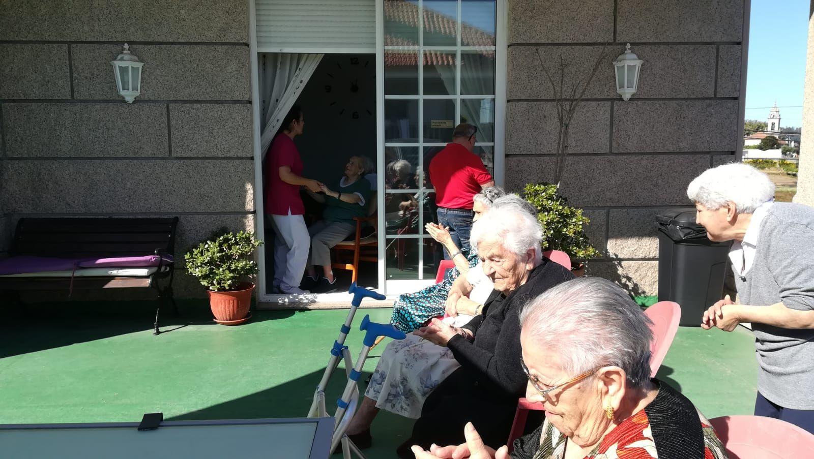 Disfrutando de la festividad de Santa Ana en La Palmera