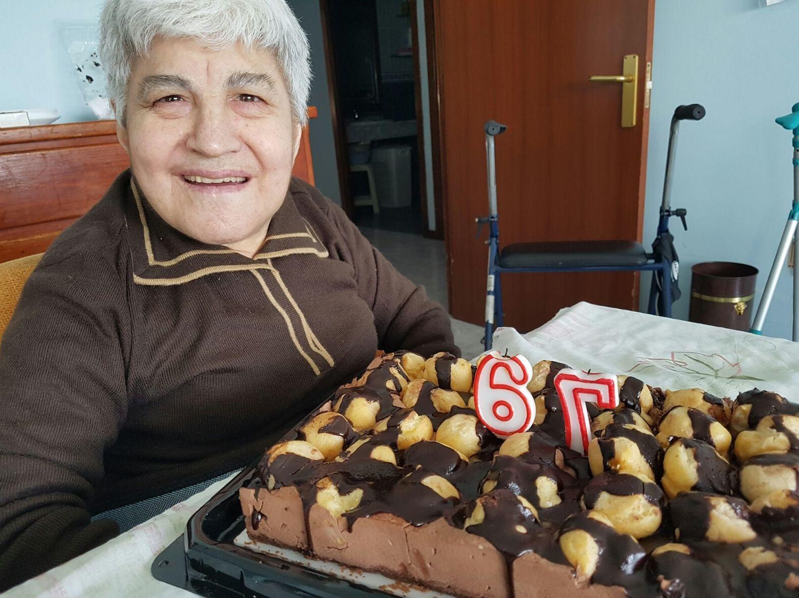 Cumpleaños de Concha.en el Centro de Atención a la Tercera Edad La Palmera.