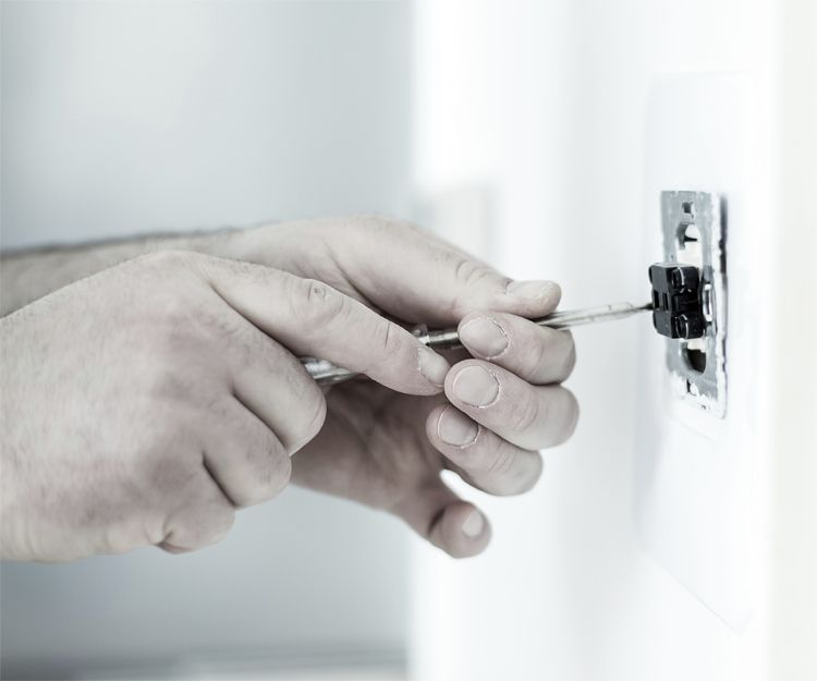 Trabajos de electricidad en general en Chipiona