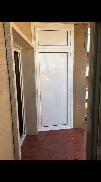 Puertas abatibles: Carpintería de aluminio de Carpintería de Aluminio Alberto Mellado