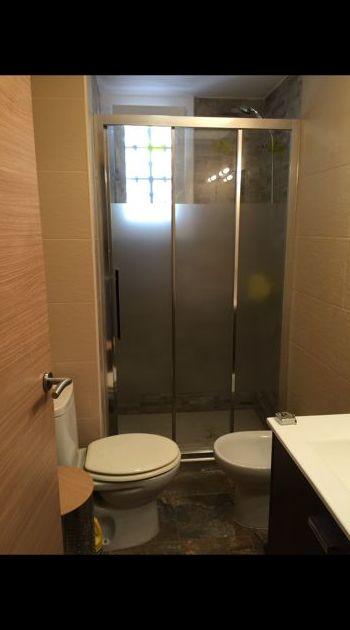 Mamparas de baño: Carpintería de aluminio de Carpintería de Aluminio Alberto Mellado