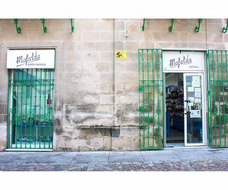 Fachada del centro de estética en Jerez de la Frontera
