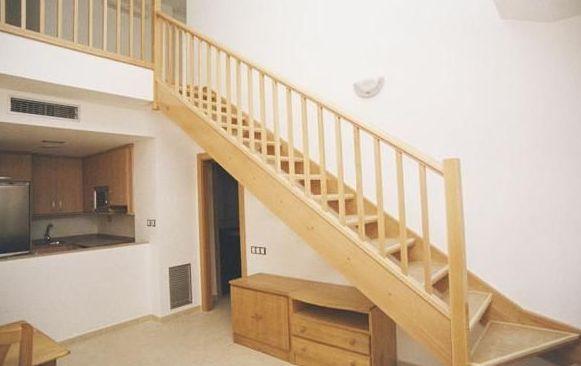 Escalera en madera de haya Escalera en madera de haya