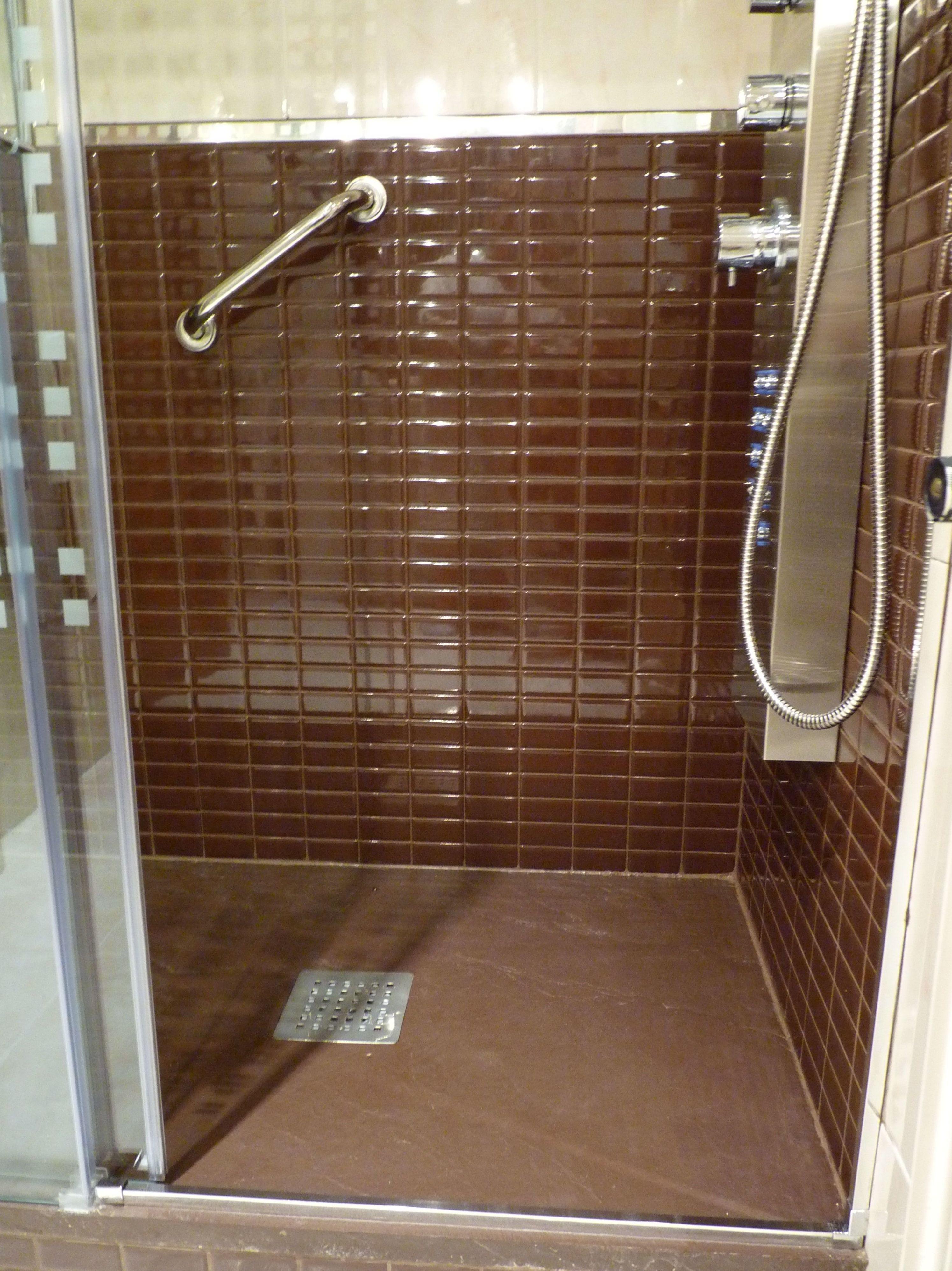 Reforma de baño en color chocolate