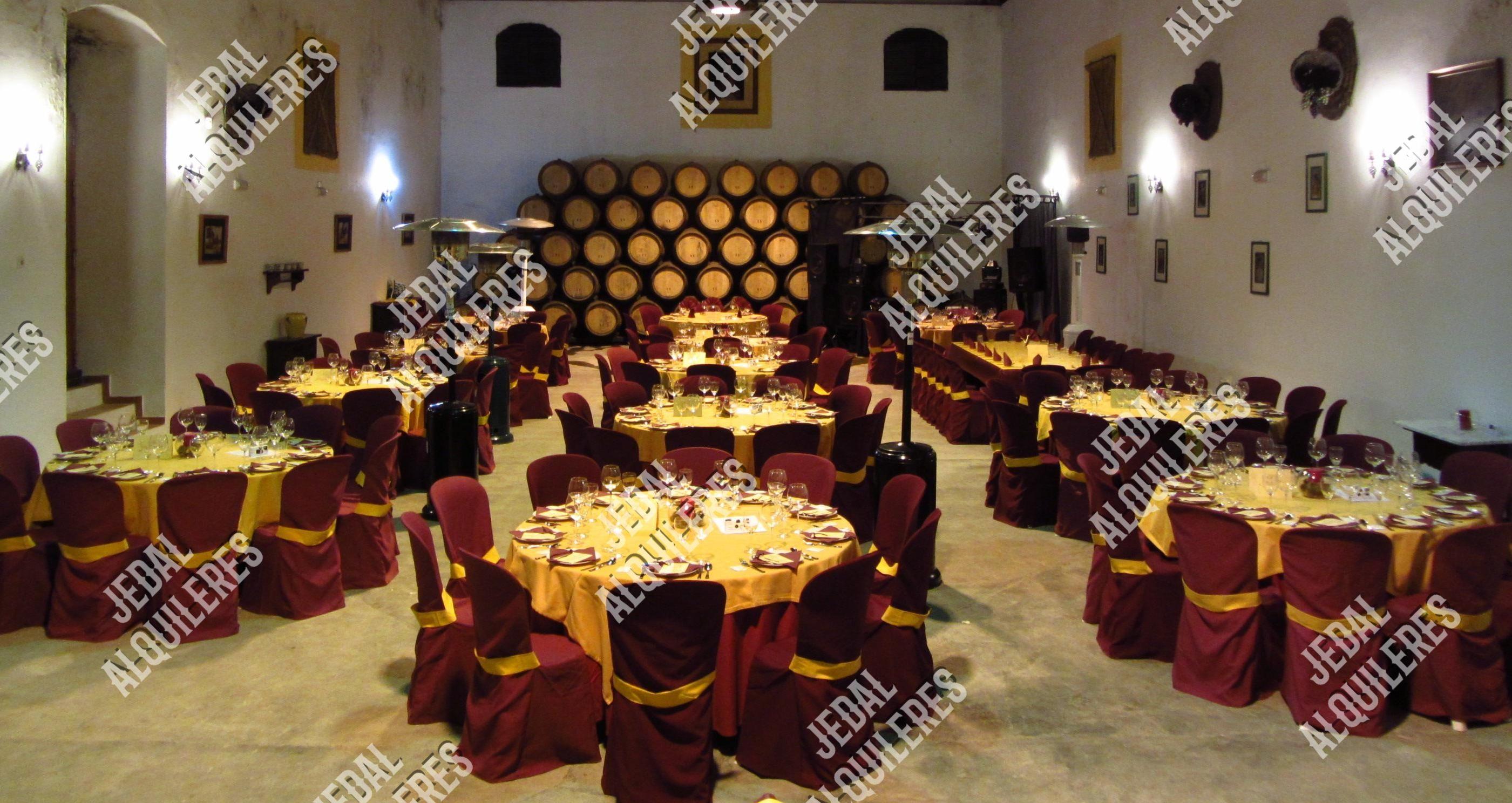 Alquileres de sillas y mesas para eventos en Jerez de la Frontera