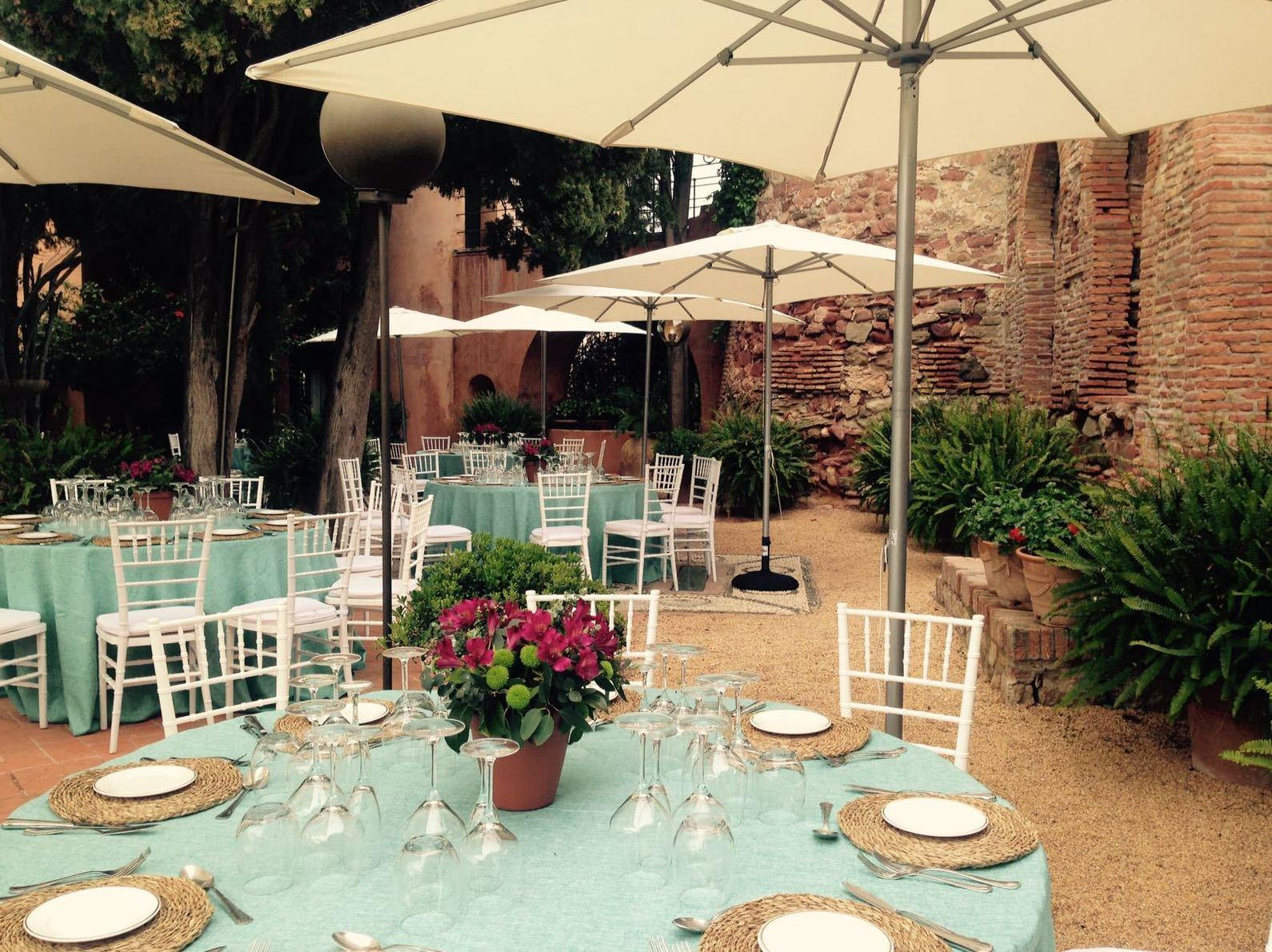 Foto 13 de Alquiler de sillas, mesas y menaje en Jerez de la Frontera | Jedal Alquileres