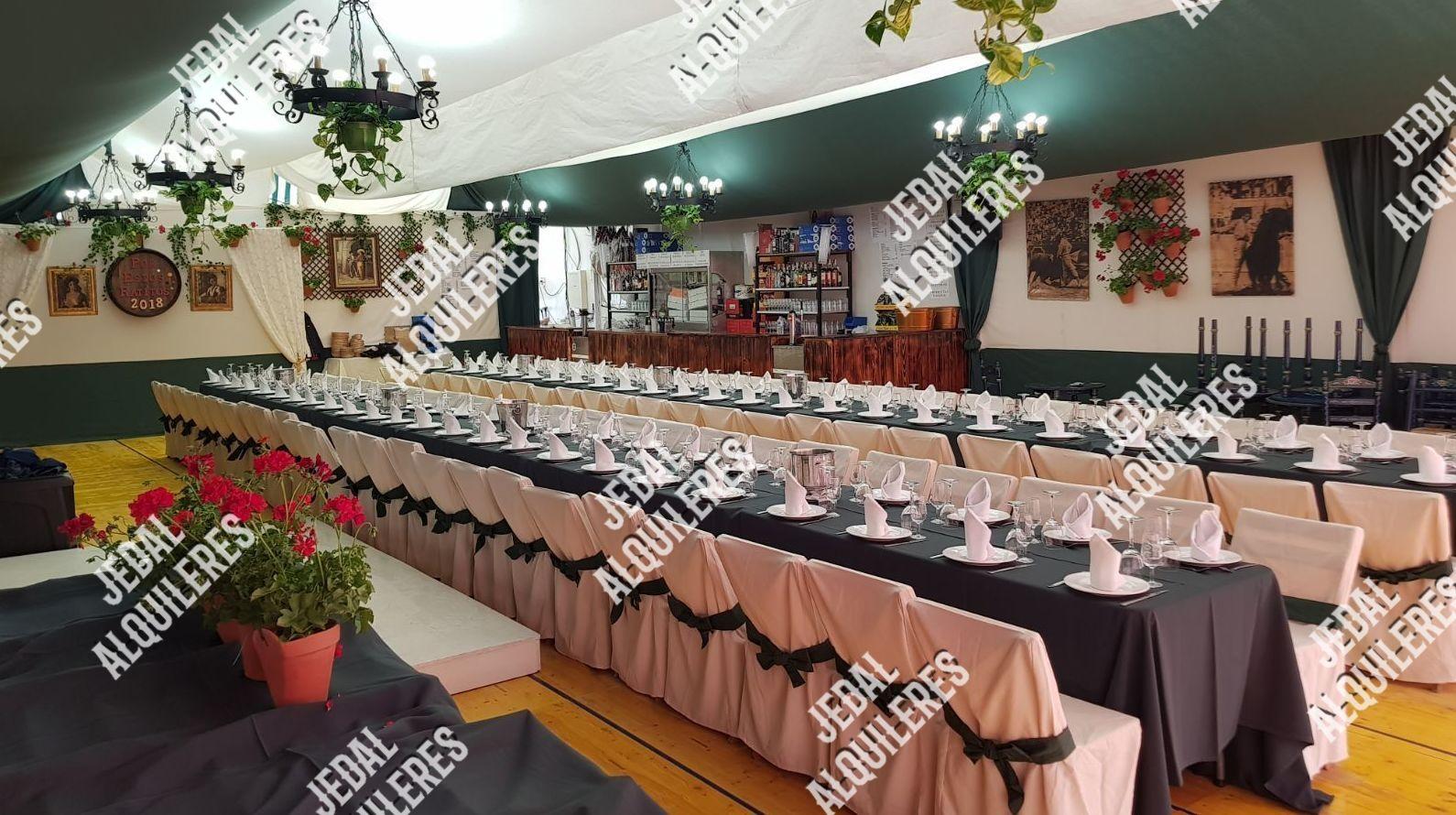 Sillas y mesas para reuniones en Jerez de la Frontera