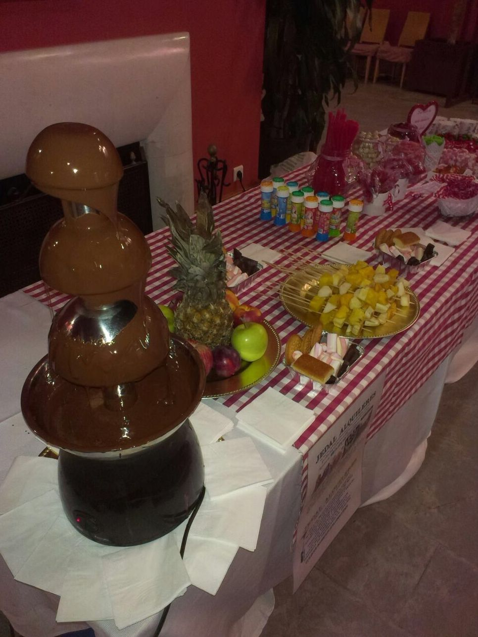Fuente de chocolate: Catálogo de Jedal Alquileres