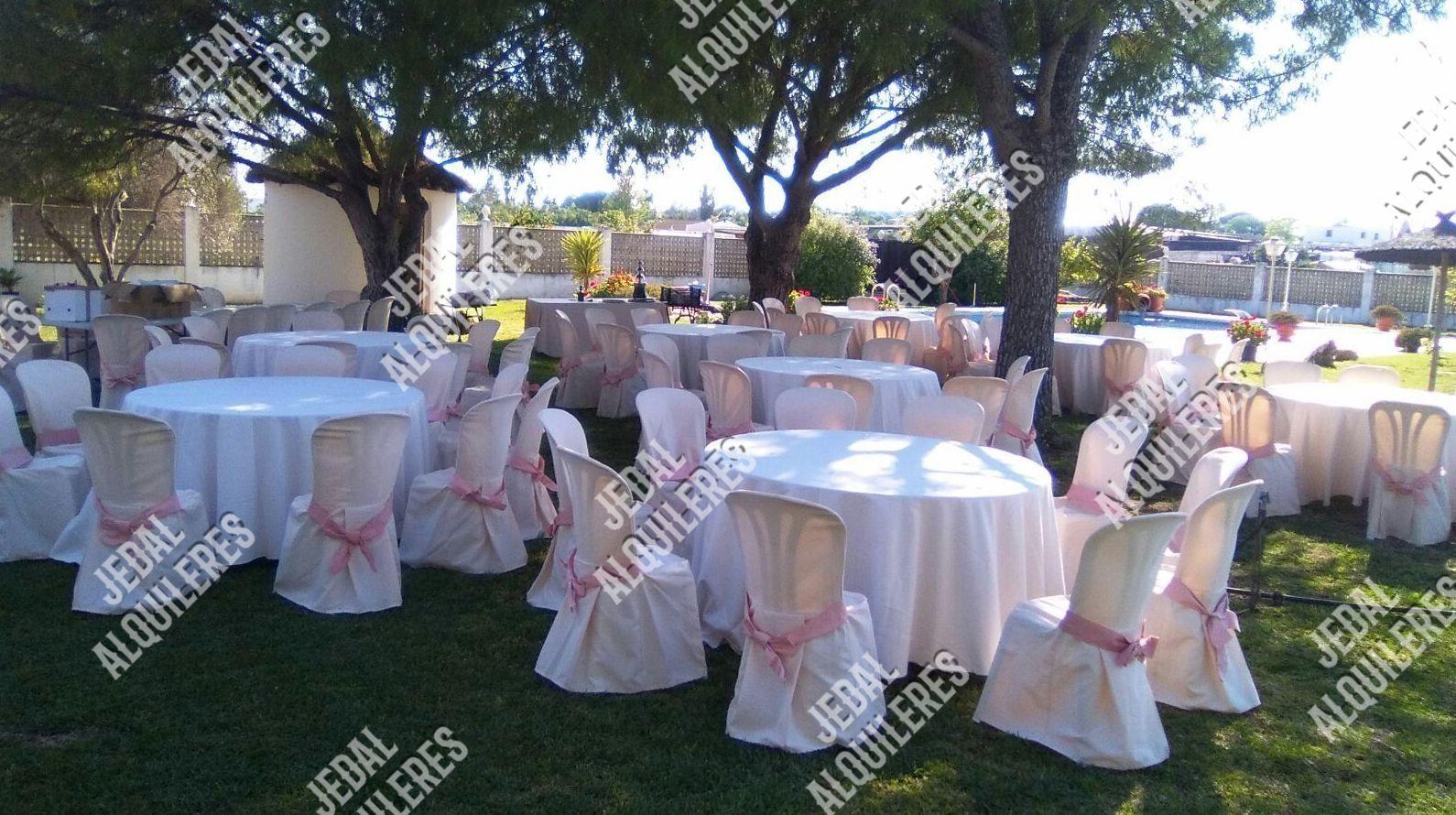 Alquileres de sillas y mesas para bodas en Jerez de la Frontera