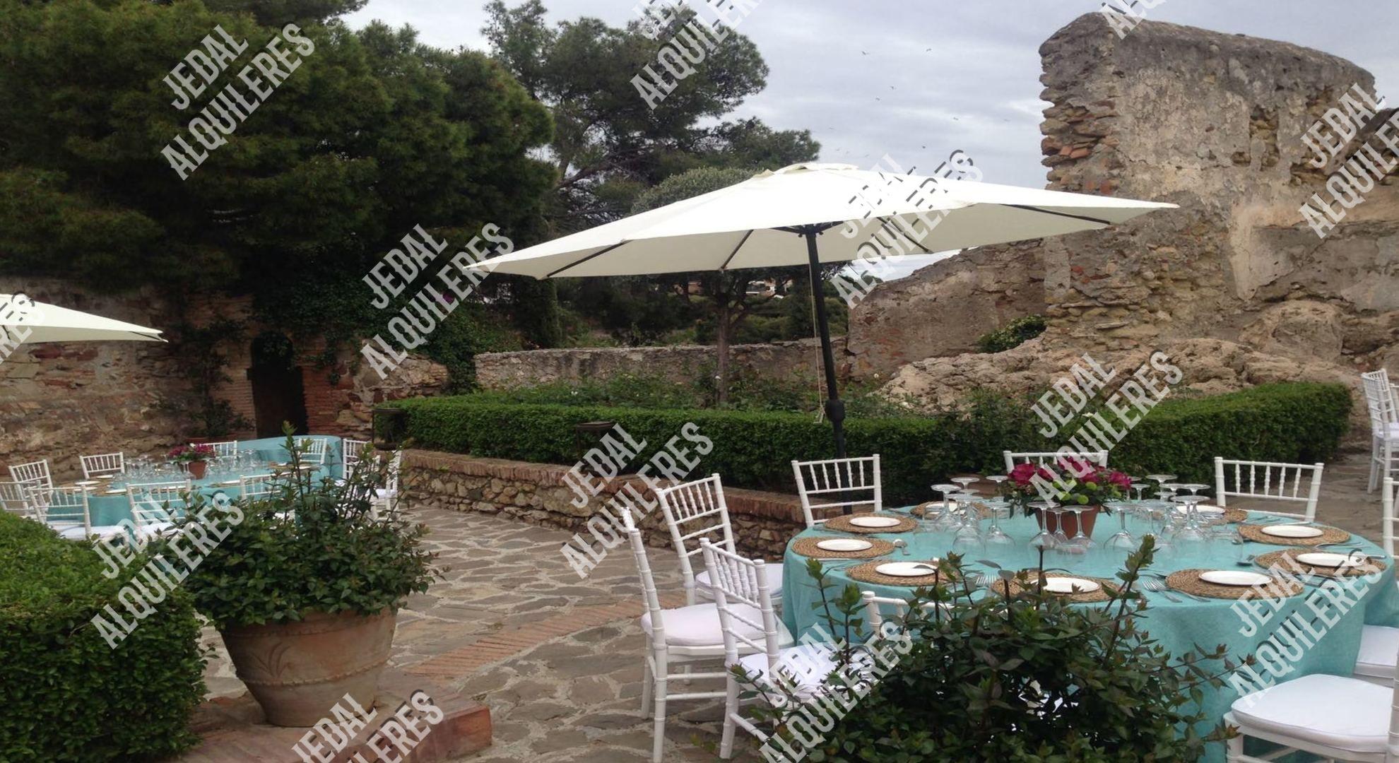Alquileres de sillas y mesas para fiestas en Jerez de la Frontera