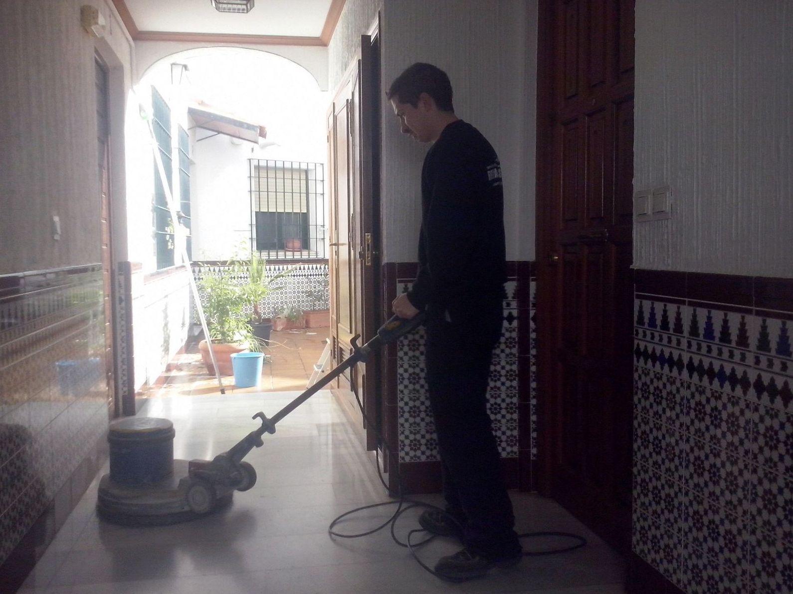 Limpiezas y mantenimiento Romarsan