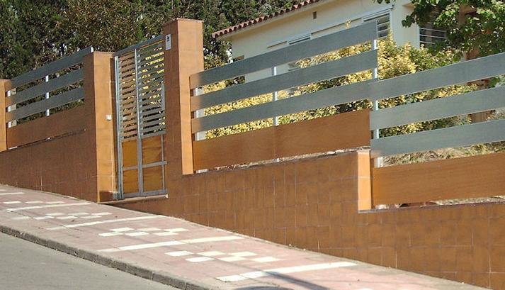 fabricació de portes metal.liques Granollers