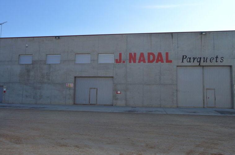 Nave industrial parquets nadal en el polígono de Arbeca