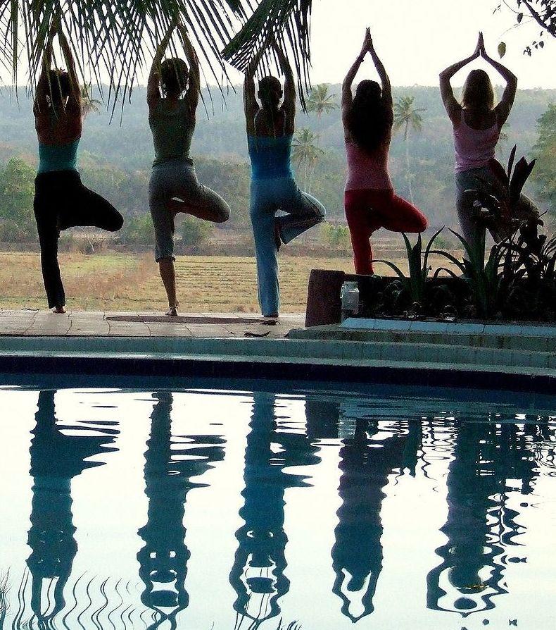 Yoga: Terapias de Natural Therapies Yasmina