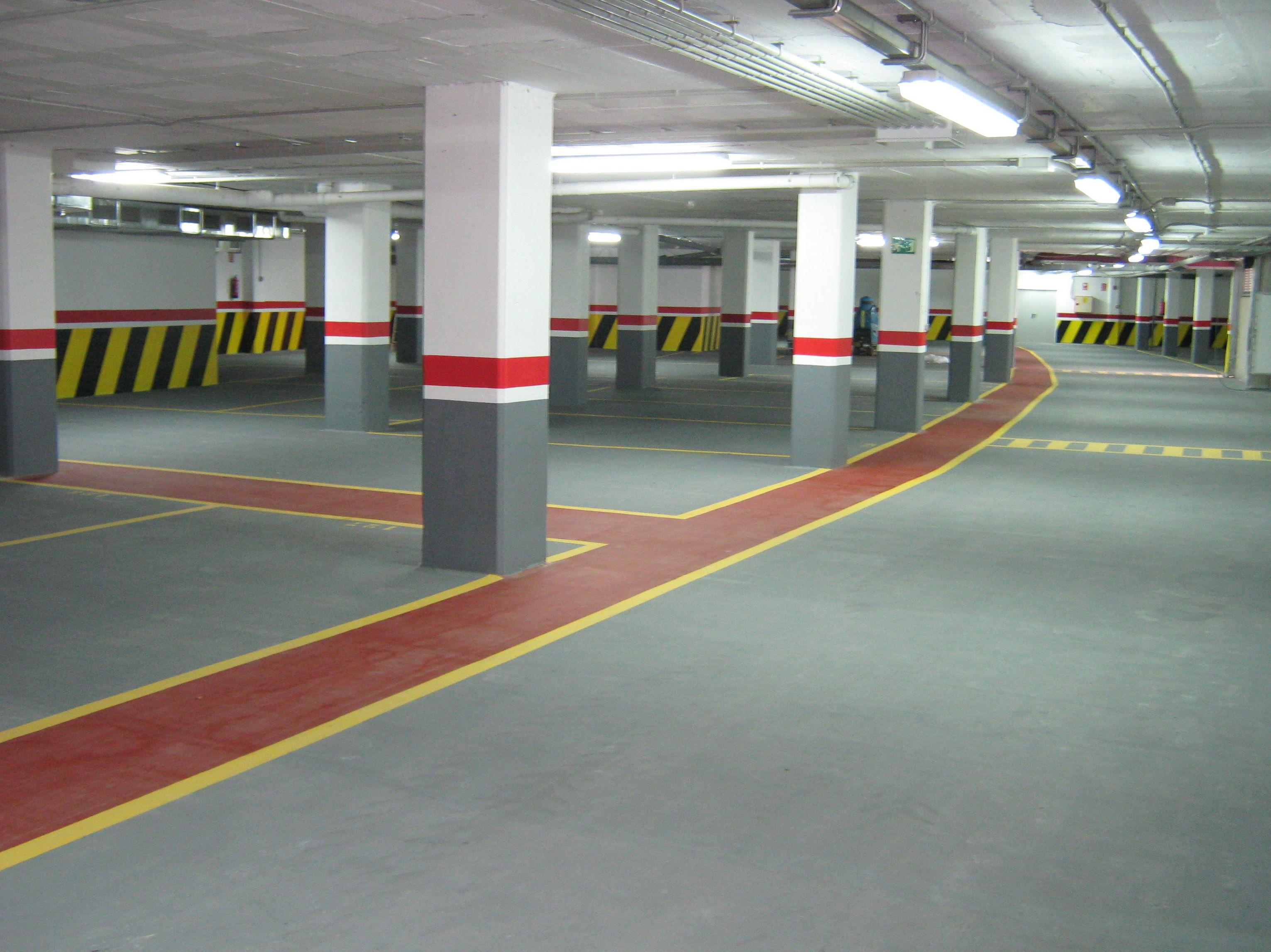 Foto 23 de Pavimentos industriales en Sant Boi de Llobregat | Paviasfalt