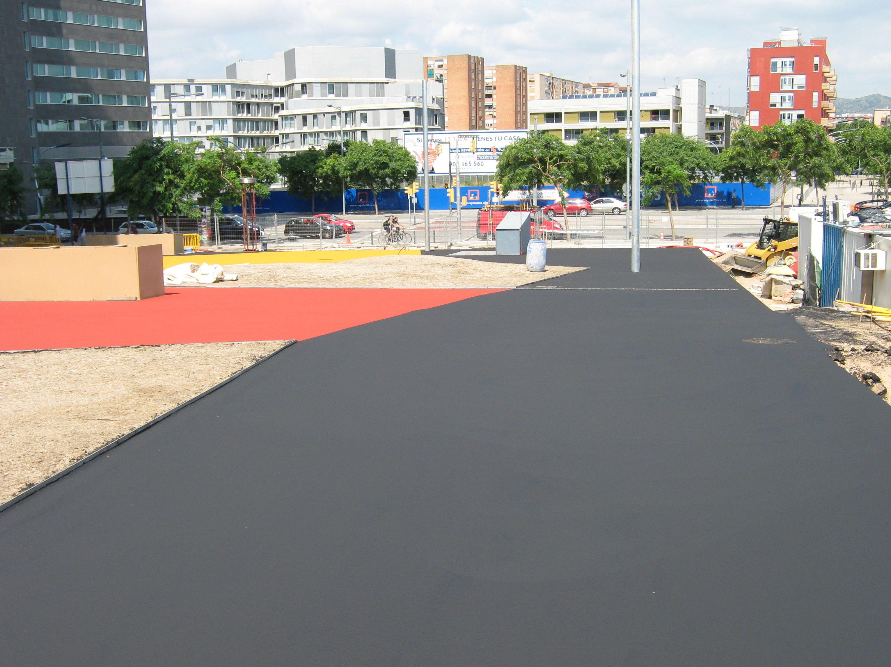 Foto 26 de Pavimentos industriales en Sant Boi de Llobregat | Paviasfalt