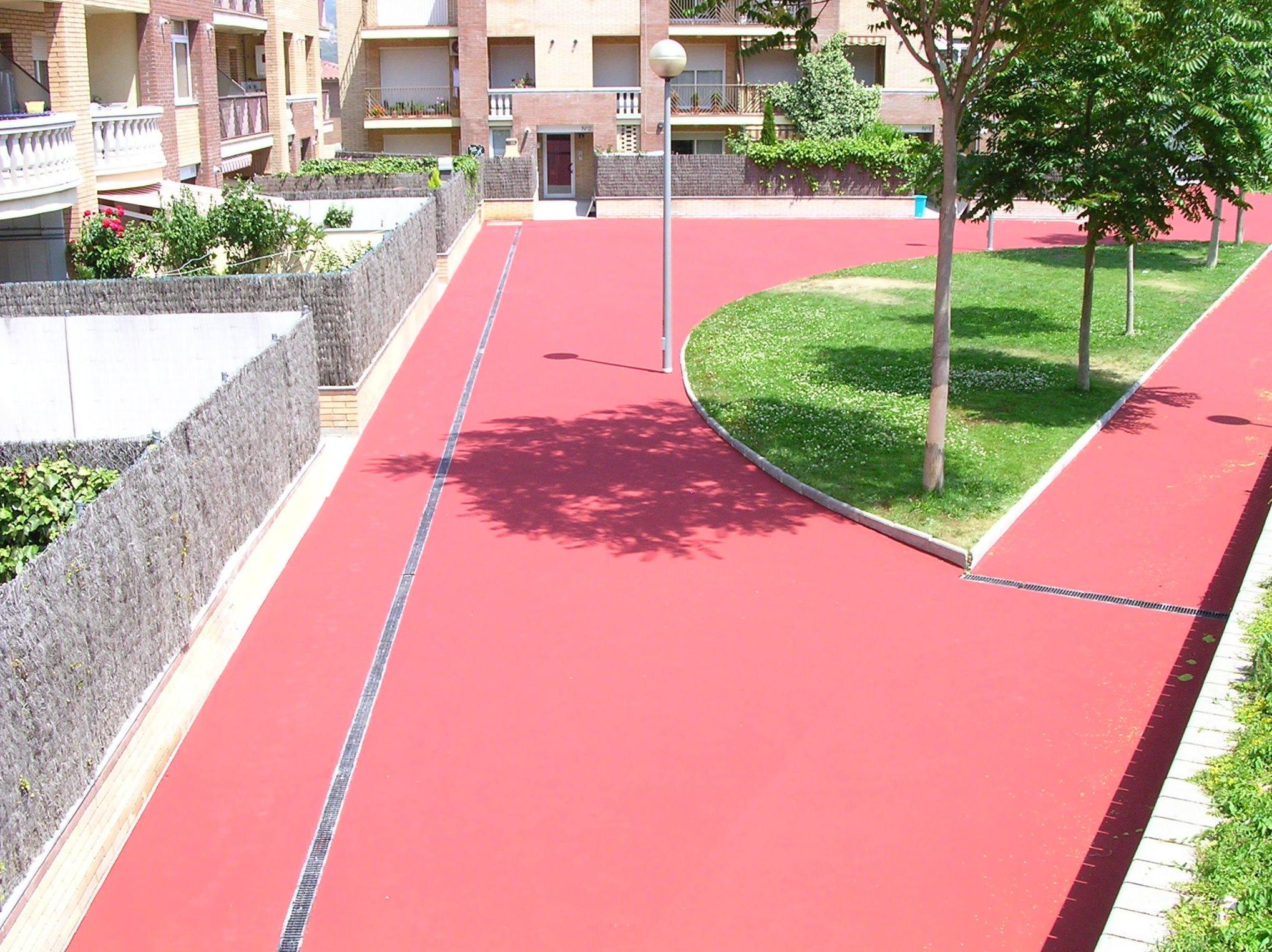 Foto 92 de Pavimentos industriales en Sant Boi de Llobregat | Paviasfalt