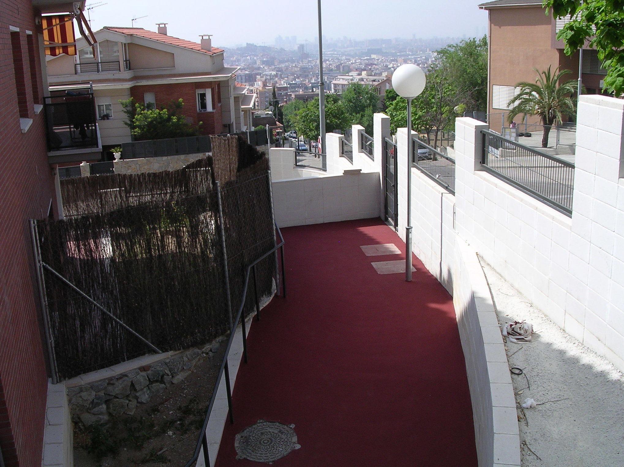 Foto 135 de Pavimentos industriales en Sant Boi de Llobregat | Paviasfalt