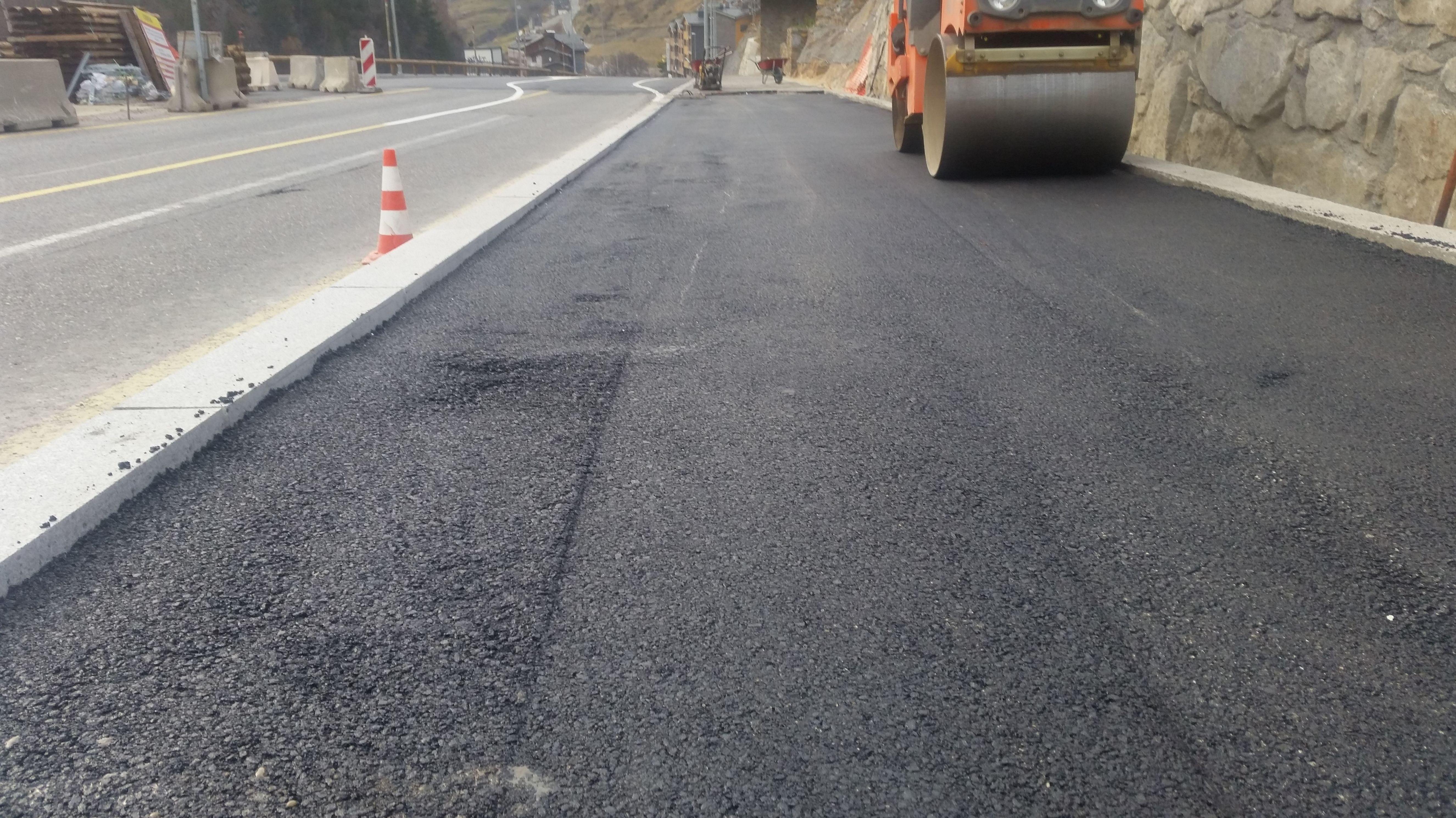 Foto 6 de Pavimentos industriales en Sant Boi de Llobregat | Paviasfalt