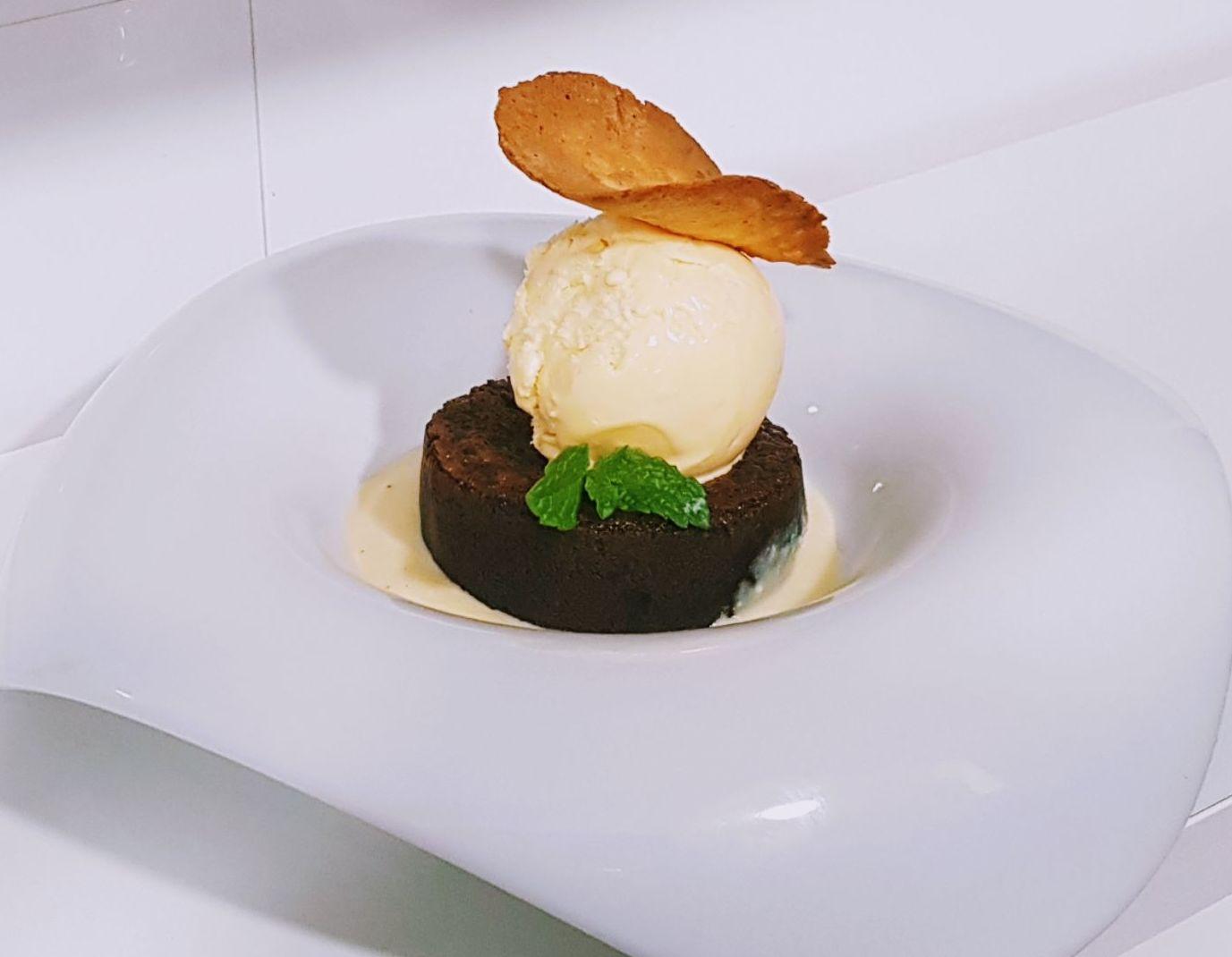 Couland de chocolate con helado de vainilla