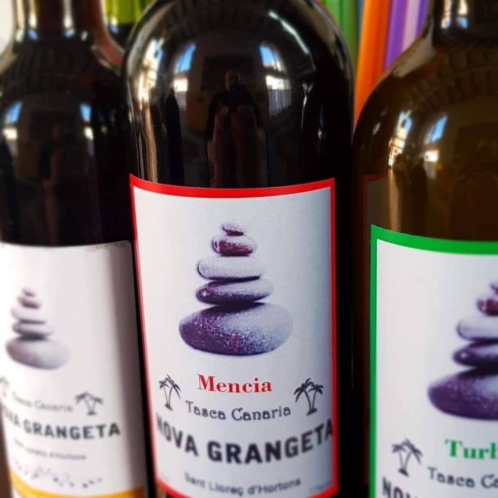 Foto 15 de Restaurante especializado en cocina canaria en  | Tasca Canaria La Nova Grangeta